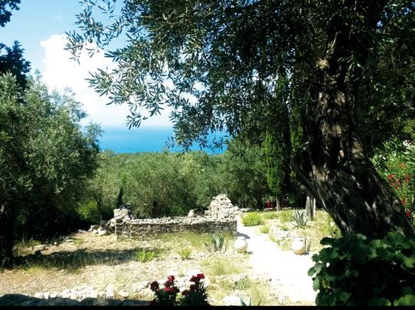Atamayka-Paxos-Greece